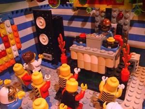 Lego_rave